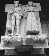 Rzeźby Jana Podiebrada i Krystyny Szydłowieckiej z nagrobka tumbowego