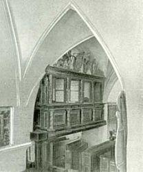 Loża książęca umieszczona na ścianie południowej kościoła NMP.