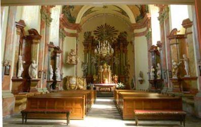 Ogólny widok wnętrza kościoła po renowacji