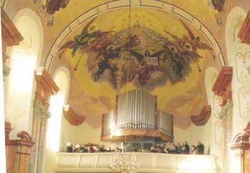Chór z prospektem organowym i malowidłem Jana Molgi
